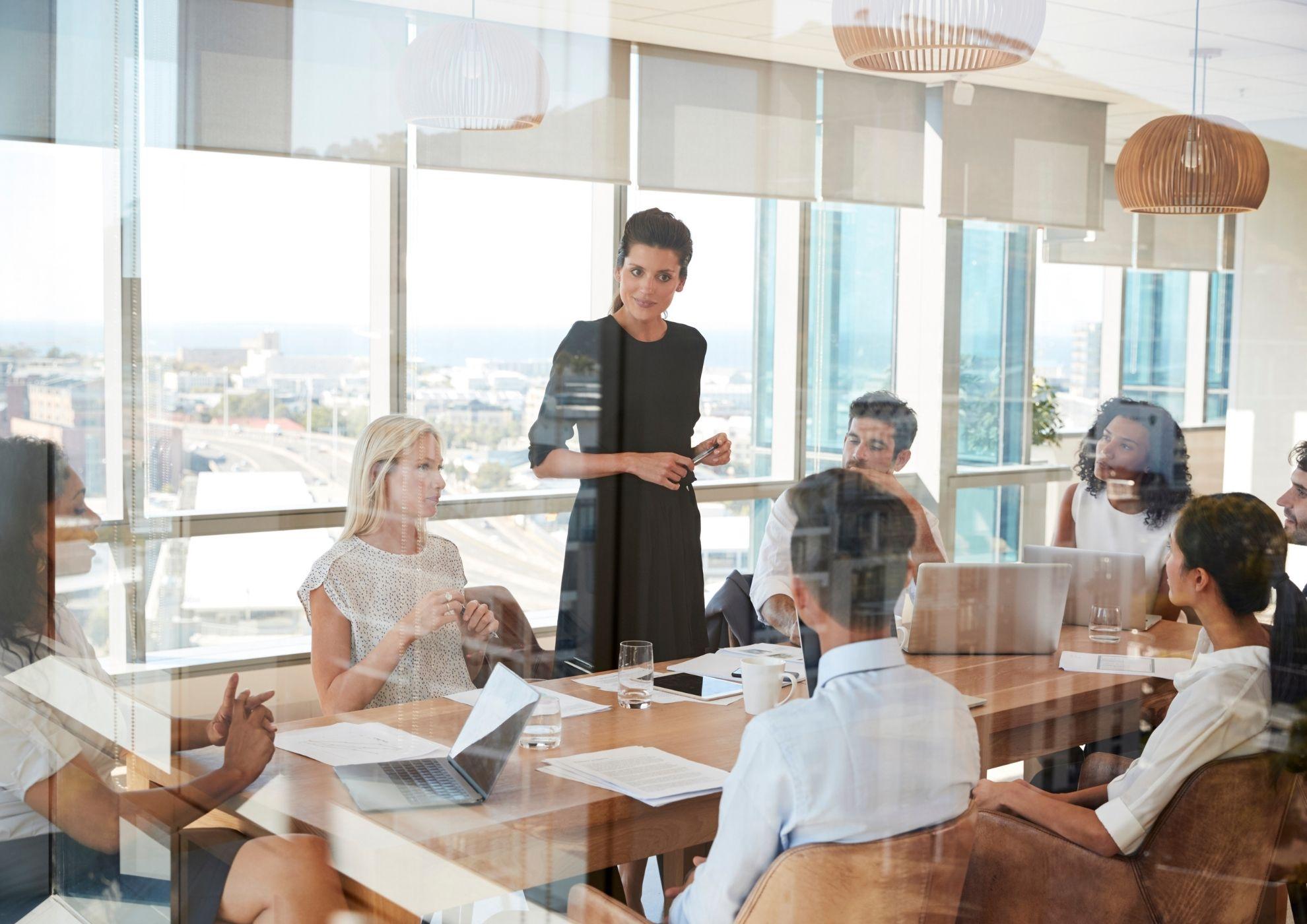 Las personas que ejercen el liderazgo son quienes encarnan los valores de la organización.